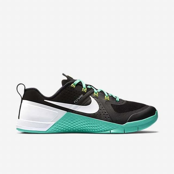 30b16846c8a Nike Metcon 1 FlyWire Training Shoes. M 5a5eb4585512fd718e48d9eb